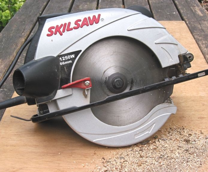 Are You Looking To Build A Cute End Table To Match Your Couch But Finding It Difficult To Choose Between A Miter S Circular Saw Miter Saw Cordless Circular Saw