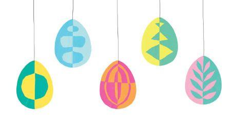 Klappschnitt Ostereier Diese bunten Eier entstehen im Klappschnitt-Verfahren und können an Fäden aufgehängt oder ins Fenster geklebt werden.