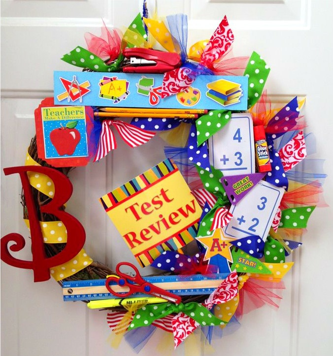 Classroom Wreath Ideas : Best images about teacher wreath on pinterest