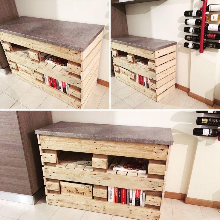 mobile misure 125 x 50 altezza 100, fatto a mano con uso di bancali, assi di legno e piano cucina