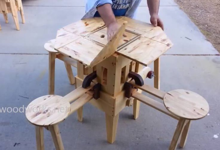 The Eizzy Folding Table is an ingenious four-person portable picnic table that can be unfolded in just a few seconds. When closed up for transport, the table measures 20 by 20 inches and 30 inches ...