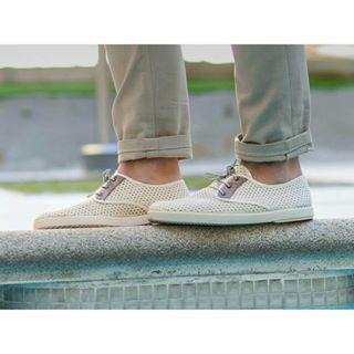 Caminar cómodo es una cosa. Pero hacerlo además con estilo y con estas bonituras ya es lo más. A nosotras los zapatos de BARQET nos tienen locas...aunque por ahora son un lujo solo para chicos. Disfrutad vosotros que podéis