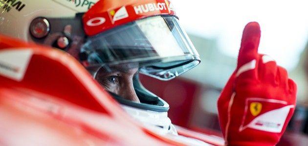 El RB11, con los pilotos de Red Bull Racing Daniel Ricciardo y Daniil Kvyat rodará en 2015, y será el último coche de la pluma del genio Adrian Newey, de 56 años.