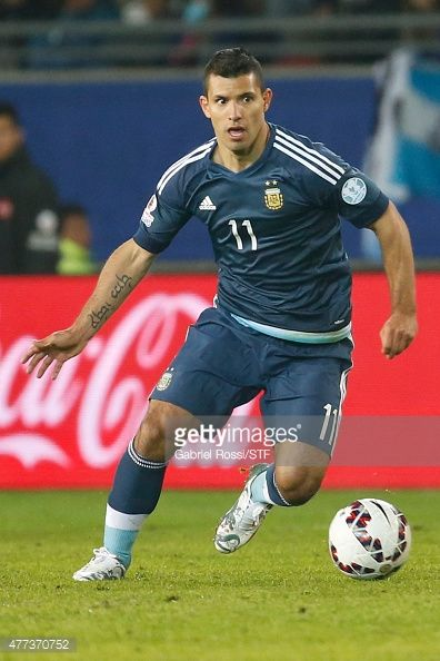 Sergio Aguero of Argentina drives the ball during the 2015 Copa America Chile Group B match between Argentina and Uruguay at La Portada Stadium on June 16, 2015 in La Serena, Chile.
