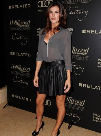 Elisabetta Canalis - love this outfit! Sexy and casual at the same time