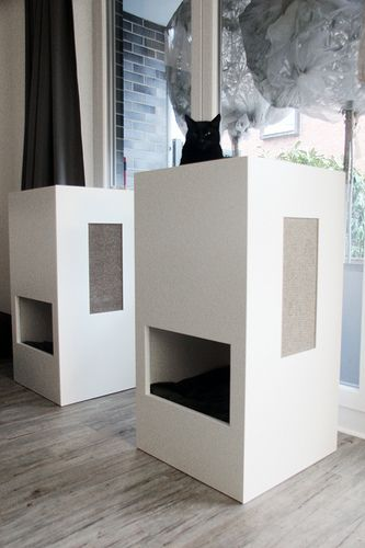 stylish self designed cat tower. selbst entworfenes Katzenmöbel. Design by kochtrotz - all rights reserved. Design von kochtrotz - alle Rechte vorbehalten.