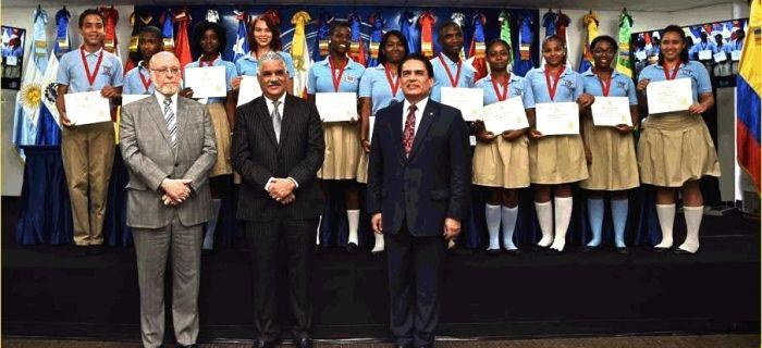 Ministerio de Relaciones Exteriores inaugura pabellón en Feria Internacional del Libro; Canciller Vargas preside ceremonia