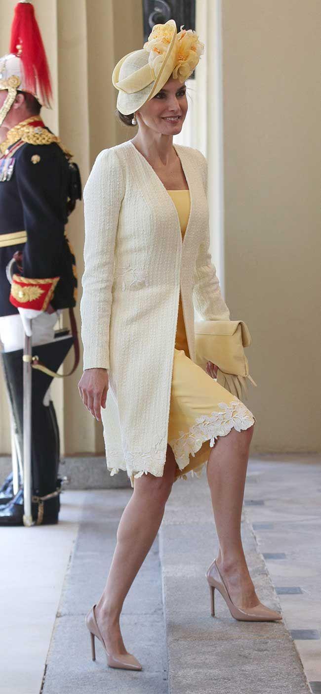 Reino Unido, look 2: Bienvenida amarilla y con tocado - El Vestidor de Letizia