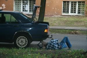 Cómo comenzar un taller de reparación de automóviles sin dinero