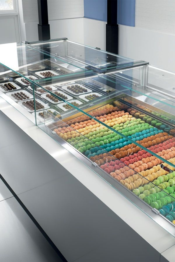 The 6040 Is A Series Of Stunning Display Cases By Ciam That Offer A Diverse And Customizable Selectio Restaurant Menu Design Bakery Packaging Stationary Design