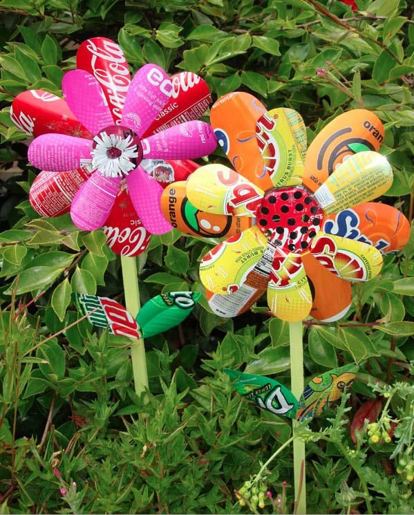 Diy Garden Art | planting-happiness-urban-gardening-diy-2013-soda-cans-garden-art