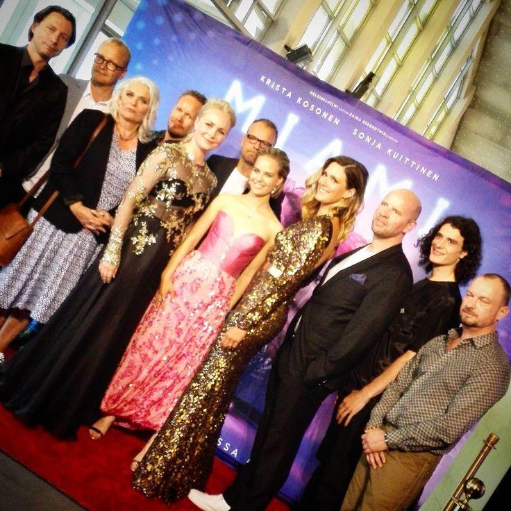 MIAMI-elokuvan upeat näyttelijät sekä ohjaaja Zaida Bergroth kutsuvierasnäytöksessä 💎✨💃 MIAMI elokuvateattereissa perjantaina 4.8.