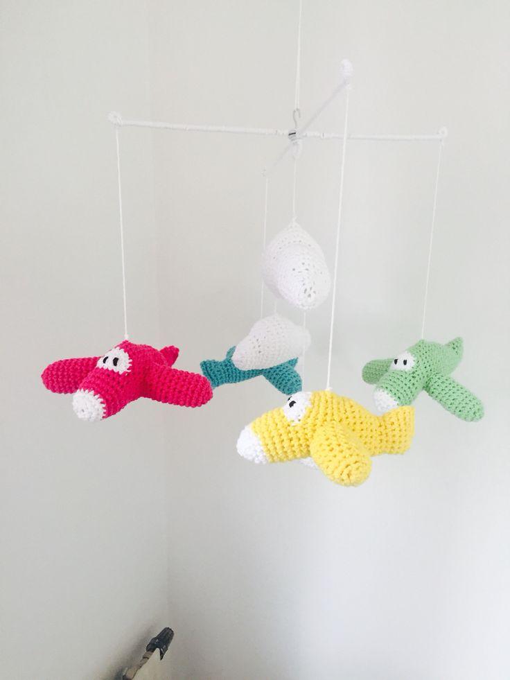 Virkade flygplan #babymobile #baby #airplanes #planes #flygplan #virkad #crochet