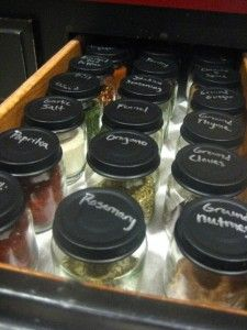 baby food jars for spices with chalk paint labels