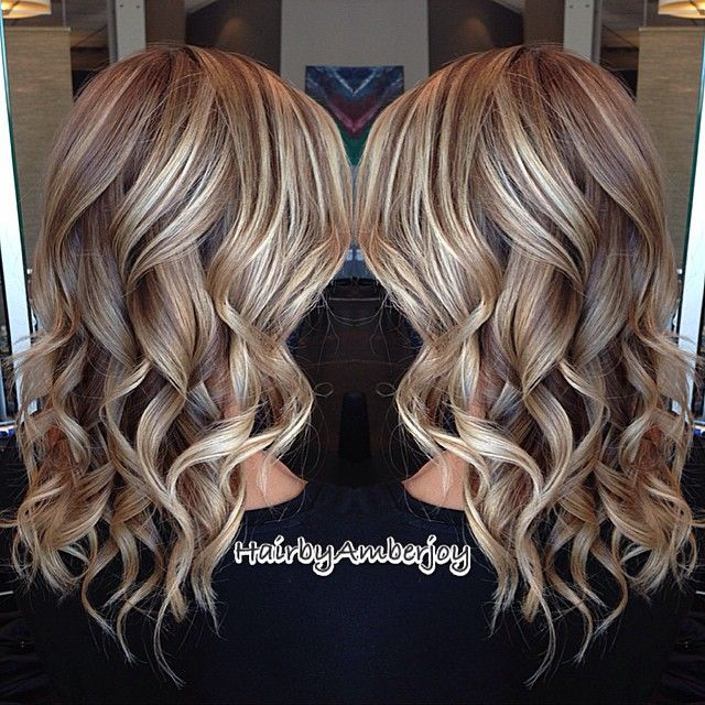 Perfect fall transition for those blondes that want to go a little darker. Still subtle and beautiful!