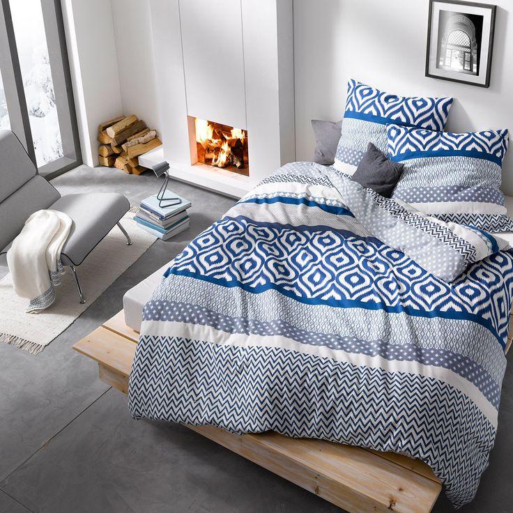 Traumschlaf Feinbiber Bettwäsche Montreal blau in kuschelig warmer Baumwolle. Die flauschige Winterbettwäsche bringt mit ihrem besonders schön gemusterten Blockstreifen Design jedes Bett zum Strahlen.  #bettwäsche #bedding #modern #modernbedding #schlafzimmer #blau #weiß #montreal  www.bettwaren-shop.de