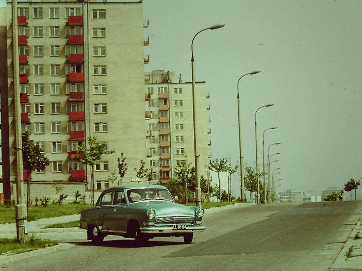 ul. Kazimierza Wielkiego, lata 70. XX w., widok w stronę E. źródło; Jerzy Turżański
