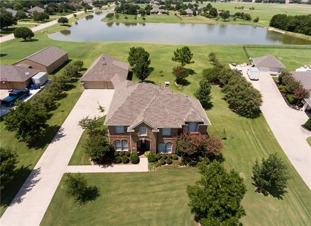 Gated Community close to Lake Lewisville. 112 WATERWOOD CIRCLE, SHADY SHORES, TX 76208 – 'bit Southern Realty Group | eXp Realty