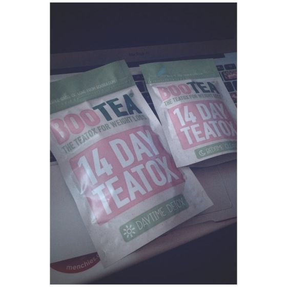 Bootea Teatox Review: Teenage Wonderland // #teenagewonderland #blog #jillianclare #teatox #bootea #tea #detox #review
