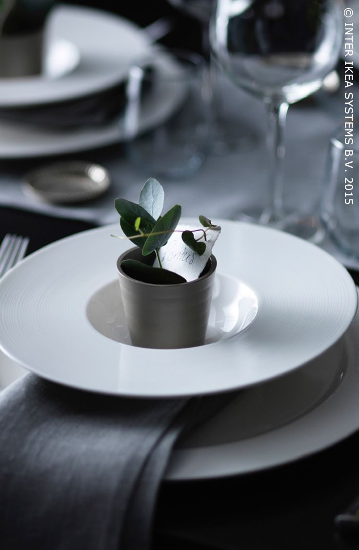 Montrez à vos invités qu'il sont spéciaux. Assiette creuse STOCKHOLM #IKEABE #àtable #idéeIKEA #fête #diner