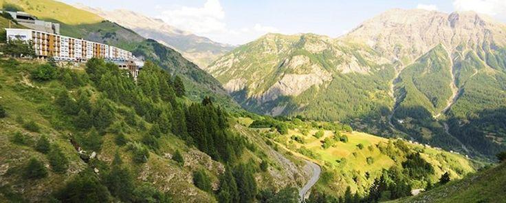Village club du Soleil Orcières - Eté. Aux portes du parc naturel des Ecrins, la station de ski familiale d'Orcières vous accueille pour des vacances en famille en formule tout-compris.
