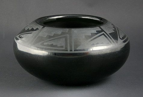 Blue Corn (Crucita Gonzales Calabaza) (1921-1999) – San Ildefonso Black on Black  Geometric Bowl. Medicine Man Gallery.    Santo Domingo Pueblo :