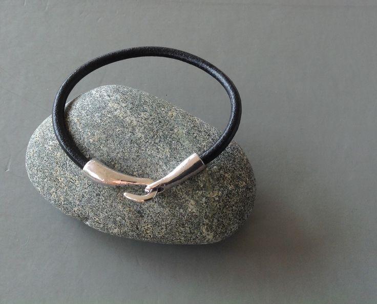 bracelet homme cuir et métal vintage .cadeau pas cher : Bijoux pour hommes par made-with-love-in-aiacciu