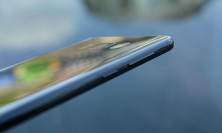 Cool Samsung's Galaxy 2017: Samsung Galaxy S8 review: the future of smartphones... Smart Phones 2017 Check more at http://technoboard.info/2017/product/samsungs-galaxy-2017-samsung-galaxy-s8-review-the-future-of-smartphones-smart-phones-2017/