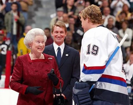 More than 4,000 spectators then watched as Queen Elizabeth symbolically dropped the puck between Aquacity Poprad and Guildford Flames ice-hockey players in Poprad before leaving for London.