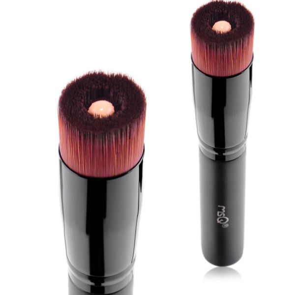Get perfect application of your foundation and concealers with this easy to maneuver application kabuki brush.  Simply apply the desired amount of concealer or foundation on your facial brush within the indented surface and gently spread the product evenly along your skin with minimal pressure to achieve perfect coverage every time.  A great tool for any makeup bag!
