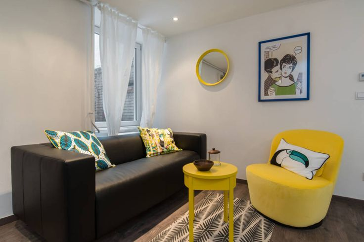 Love this yellow chair!