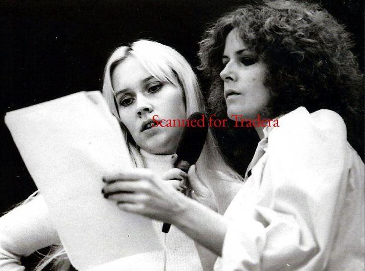 Annons på Tradera: 5 ABBA Rare Rehearsal photos from October 25, 1974