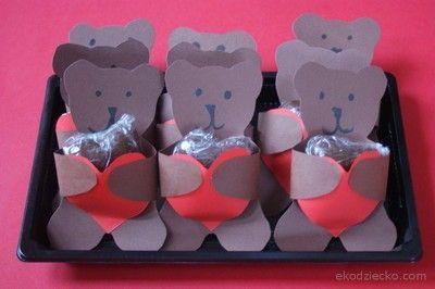 walentynkowy upominek ze słodkim sercemValentine's Day gift with a sweet heart
