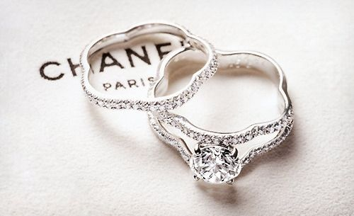 """Chanel """"Camélia Solitaire"""" flower shaped diamond ring and band #engagementring"""