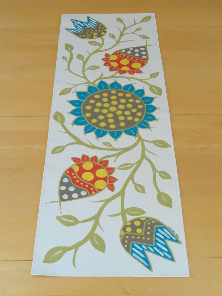 Hand painted table runner - dutch flowers