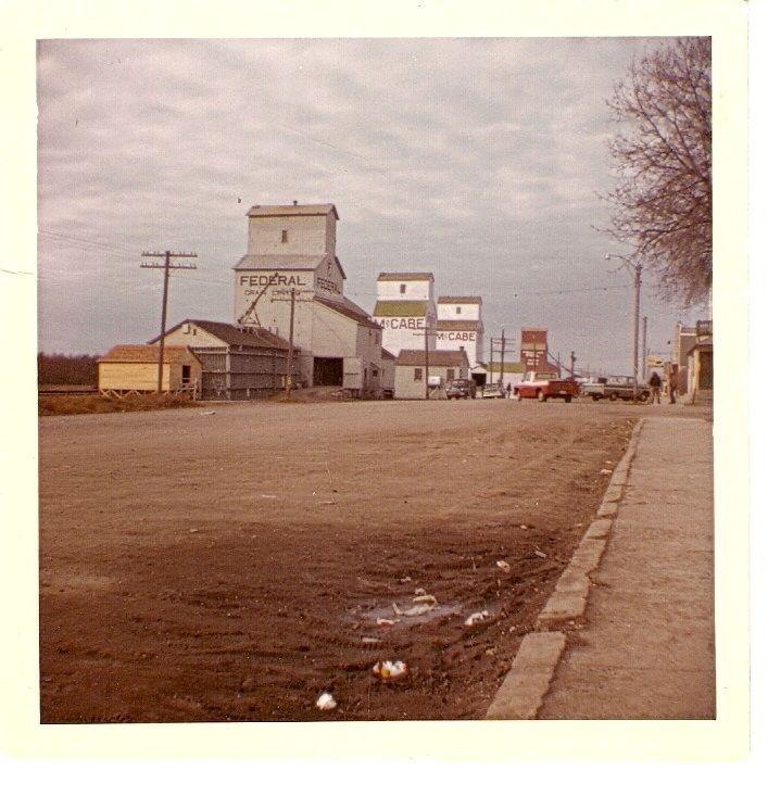 Sheho SK. Elevator Row. - Vintage Saskatchewan - Photos - SaskPhotos.ca