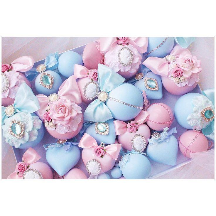 Доброго дня красотки !завидую всем,у кого выходной! а мы с милым все трудимся над вашими заказами! Спасибо вам,что вы у нас есть ! А на фото Нежнейшие малыши на елочку! Голубой и розовый,по-моему ,отличное сочетание цвета Выполнен на заказ.