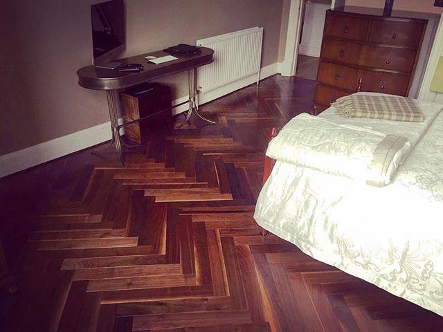 Our NEW Engineered 18/4mm Walnut Herringbone looks stunning in one our customers bedrooms, the 600mm length really emphasises the herringbone design! #thewoodenfloors #wood #engineered #flooring #walnut #parquet #herringbone #600mmlength #warm #rich #classy #sheen #gloss #smoothfinish #beautiful #thewoodenfloorstore #scotland #glasgow #edinburgh #paisley #falkirk