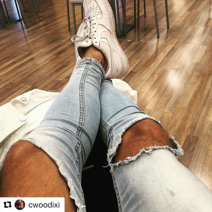 #Repost @cwoodixi ・・・ @heralondon_  Jeans airport life #travel #holiday #nike #jeans #sun #instagram #instalike #tan #IG #world #love #mood #fashion