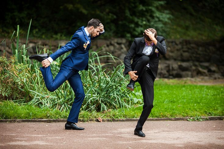 Best Man? Finding it a struggle to write a funny best man speech? Look no further... SmartGroom has a list of more than 30 jokes that can be used in any best man's speech and guarantee a giggle from the crowd... For more wedding tips and ideas visit www.smartgroom.com #bestman #bestmanspeech #weddingspeech