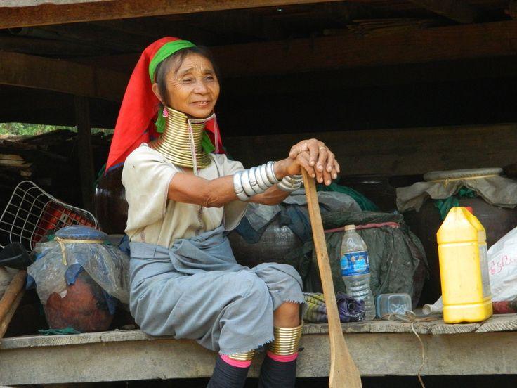 Loikaw, la terre d'origine des femmes Padaungs, qu'on appelle généralement les femmes-girafes. // village Sam Bo