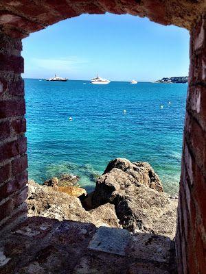 Vue sur le Cap d'Antibes, Côte d'Azur, France