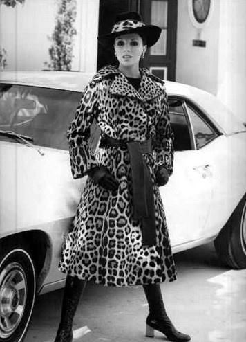 Joan Collins in great vintage leopard coatSpots Leopards, Leopards Coats, Leopards Lifestyle, Luscious Leopards, Animal Prints, Leopards Prints, Leopards Lounges, Leopards Lady, Vintage Leopards