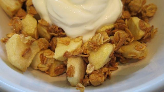 Æbler og havegryn i actifry   morgenmad