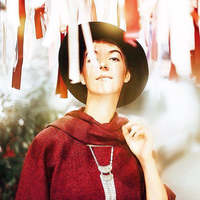 Panço: #Rosey • www.clandestinoshop.com • #poncho #pancho #kirmizi #red #hot #nightout #weekend #women #woman #clandestino #strong #street #fashion #boho #bohofashion #urban #moda #trend #stylish #dress #shopping #glam #lights #style