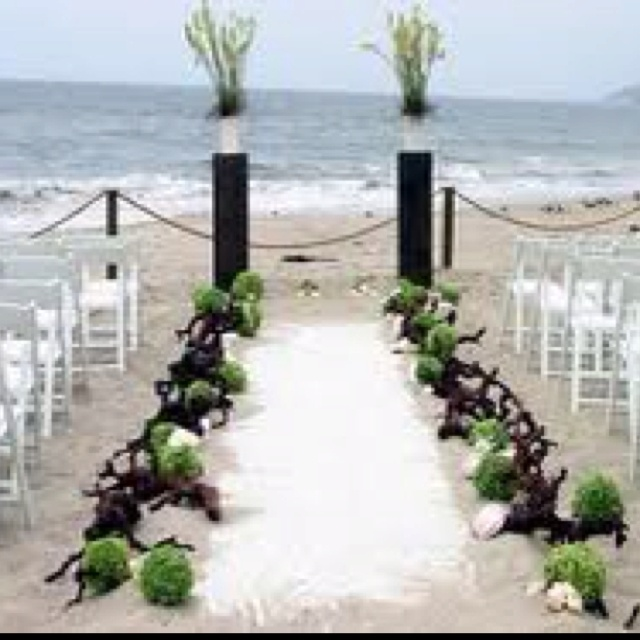 Beach Wedding Decorations For The Ceremony