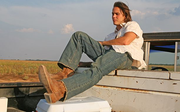 In the very first episode of Friday Night Lights' second season, Landry posed a question to Saracen: WWRD? Or, what would Riggins do? Because let's face it: Tim Riggins knows how to live life with #noregrets. (Well, except maybe for that one decision in season 4.)  Regardless, Riggins is the kind of character who comes around once in a lifetime. So, in honor of Taylor Kitsch's 35th birthday Friday, we've rounded up some timeless Riggins wisdom — the good, the bad, and t...