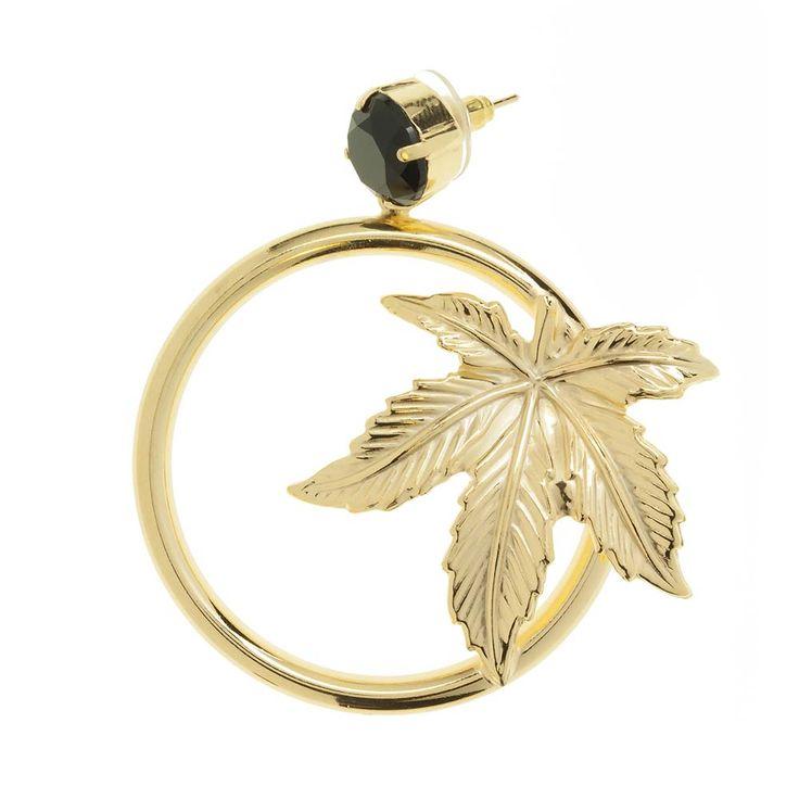 Orecchino a cerchio con foglia galvanica oro, con bottone nero!!!