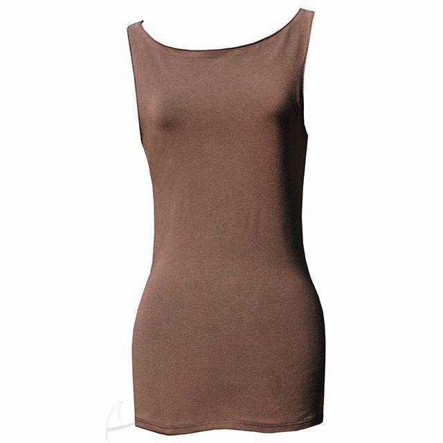 Bokserka z dekoltem łódką. Do zamówienia w dowolnym rozmiarze i kolorze w butiku Łatka fashion. #bokserka #LatkaFashion #jersey #brązowa #koszulka