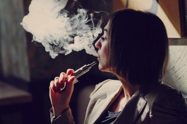 Even Nicotine-Free E-Cig Vapor Damages Lung Cells | IFLScience